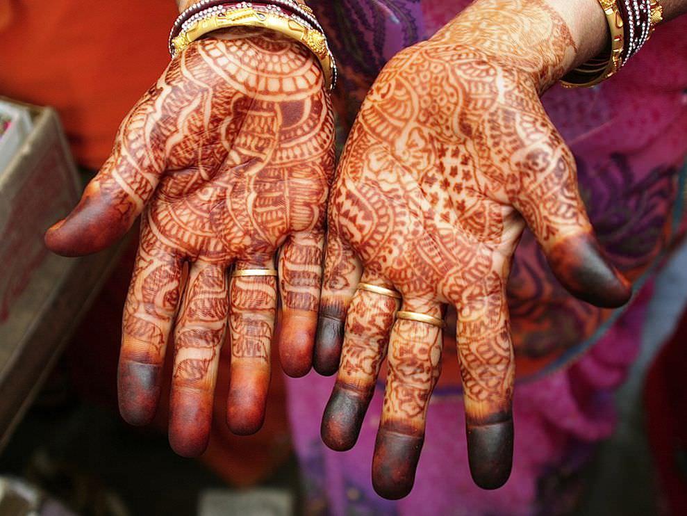 henna-hands-jaipur_21075_990x742