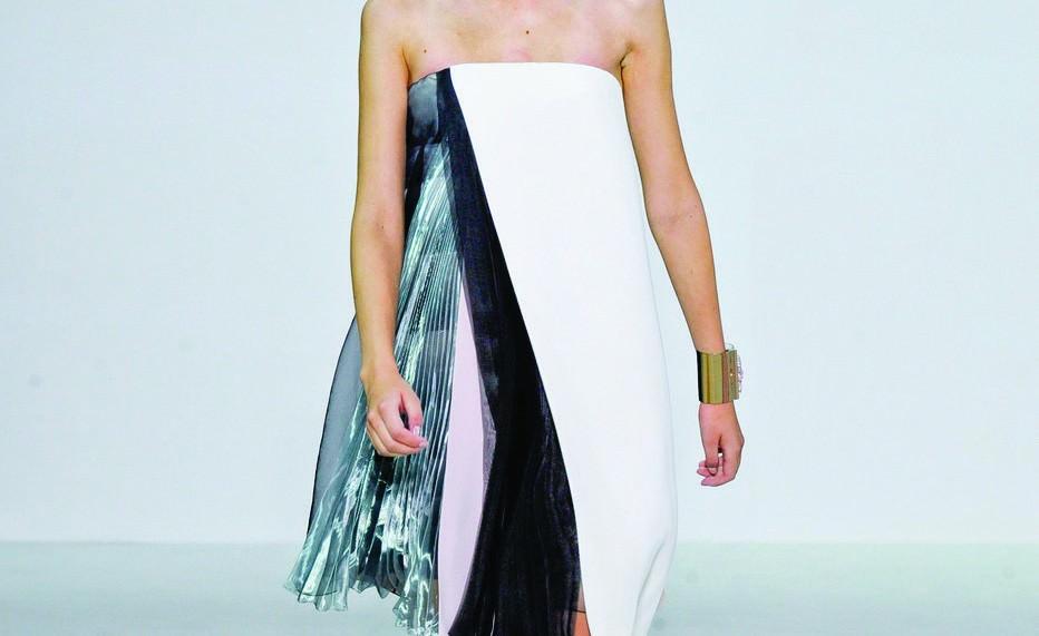 Маленькое черно-белое платье (Dior).