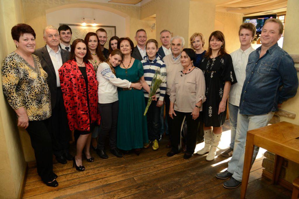 Неонила Романовна в кругу родных