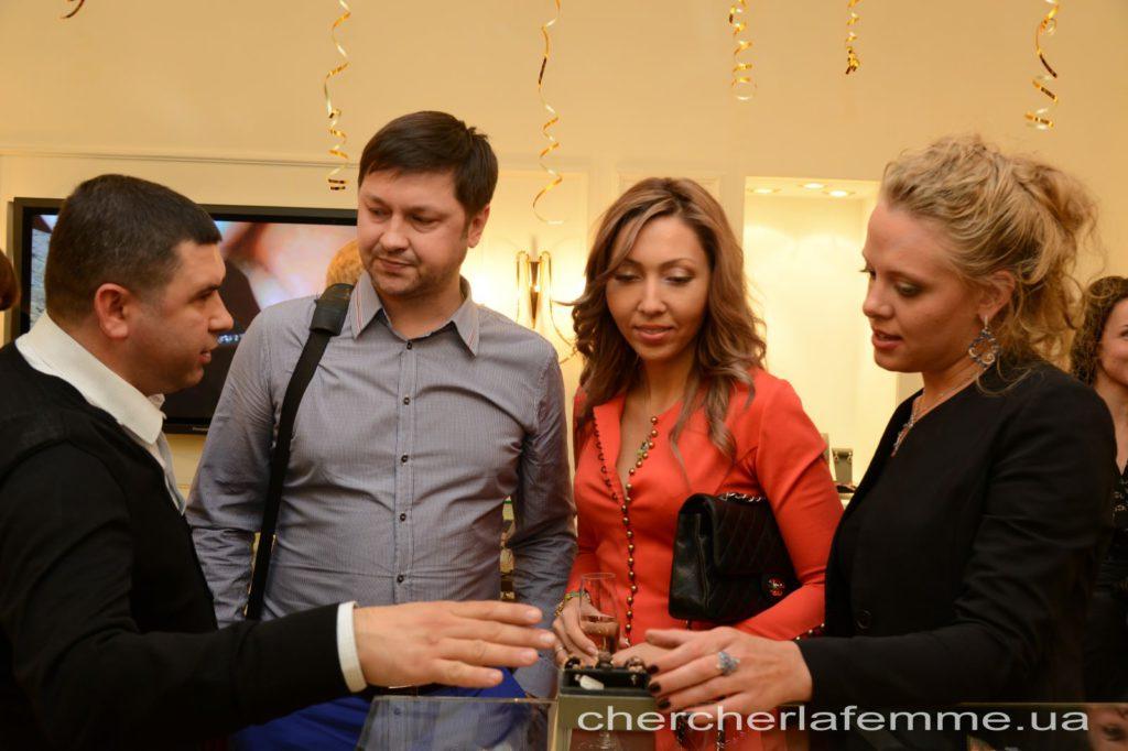 Совладелец бутика Prinсipessa Дмитрий Омельченко, Андрей и Анжелика Бобылевы, директор по продажам компании Novarese Мария Земляницына.