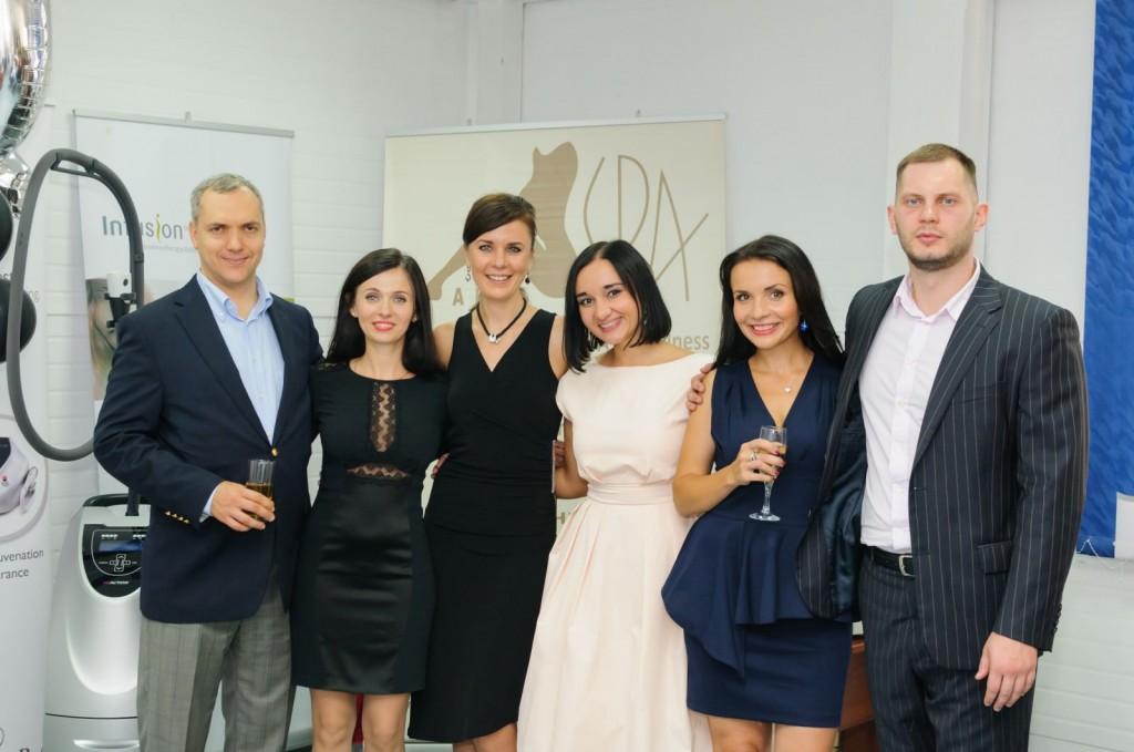 Команда Альфа СПА во главе с директором компании Денисом Любинским (первый слева)