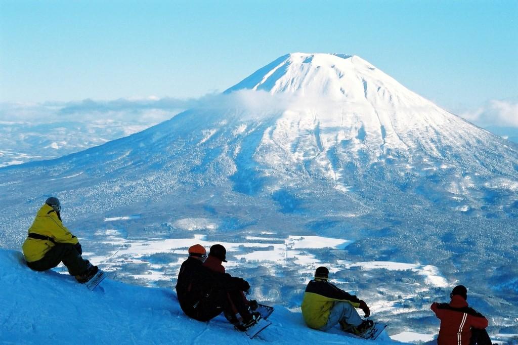 Stunning-Scenery-Niseko-1