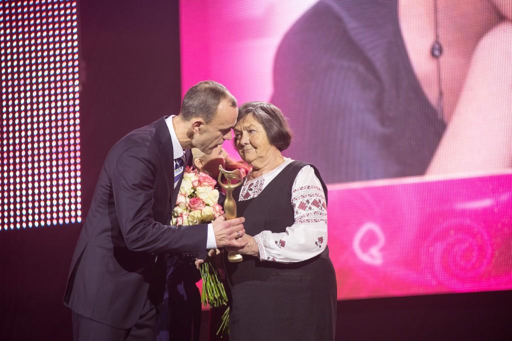 Мама Надежды Савченко Мария Ивановна  и  народный депутат Украины Андрей Кож