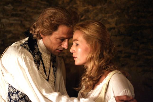 Вивальди и Анна Жиро. Кадр из фильма «Вивальди. Принц Венеции священик»
