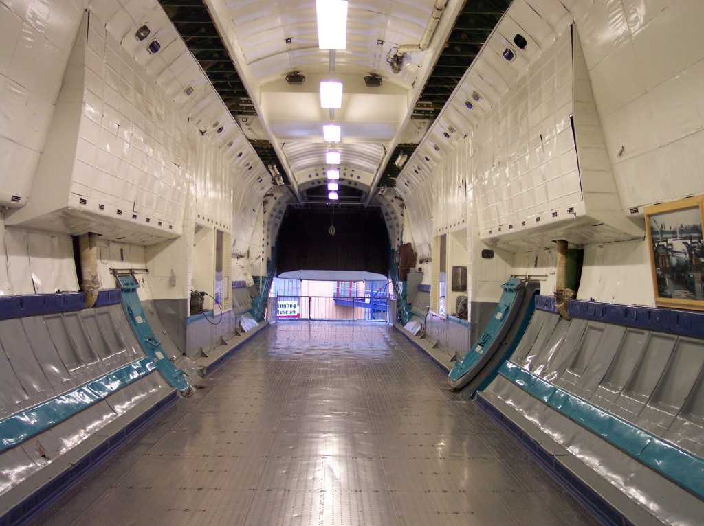 Antonow_An-22_Loading_bay