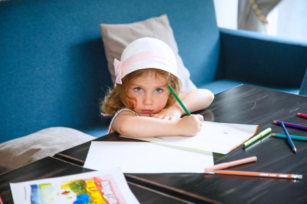 Сашенька, 3, 5 лет, маленькая принцесса.