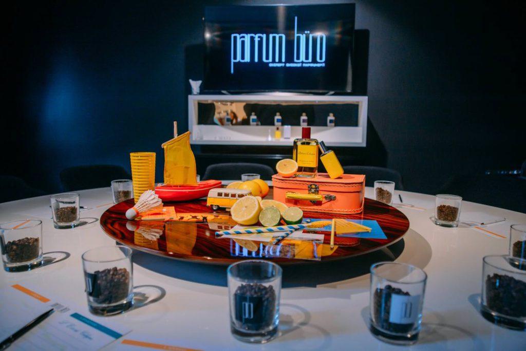 """Лесли Кудро, амбассадор Atelier Cologne, продемонстрировала Новый солнечный аромат Bergamote Soleil из коллекции Atelier Cologne ORIGINALE еще раз доказал, что у """"колоней"""" не только красивое прошлое, но и перспективное будущее."""