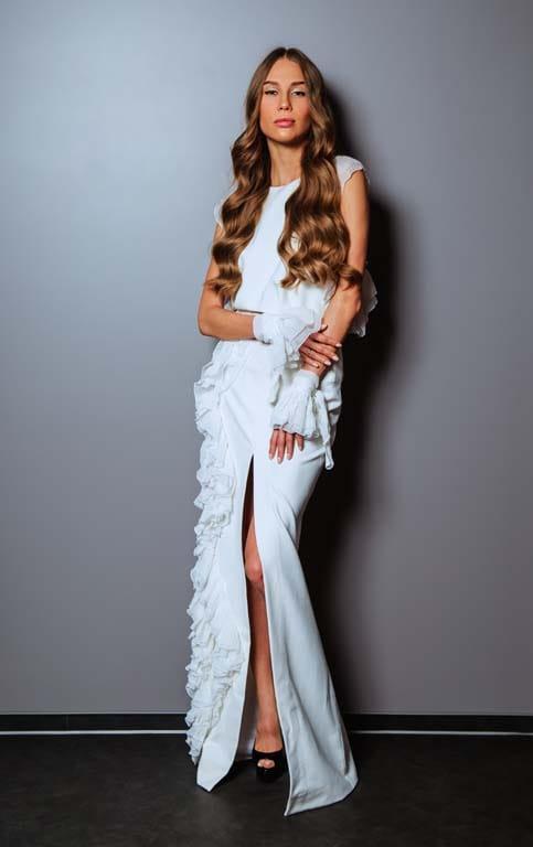 На Валерии Бояриной: блуза и юбка Queens