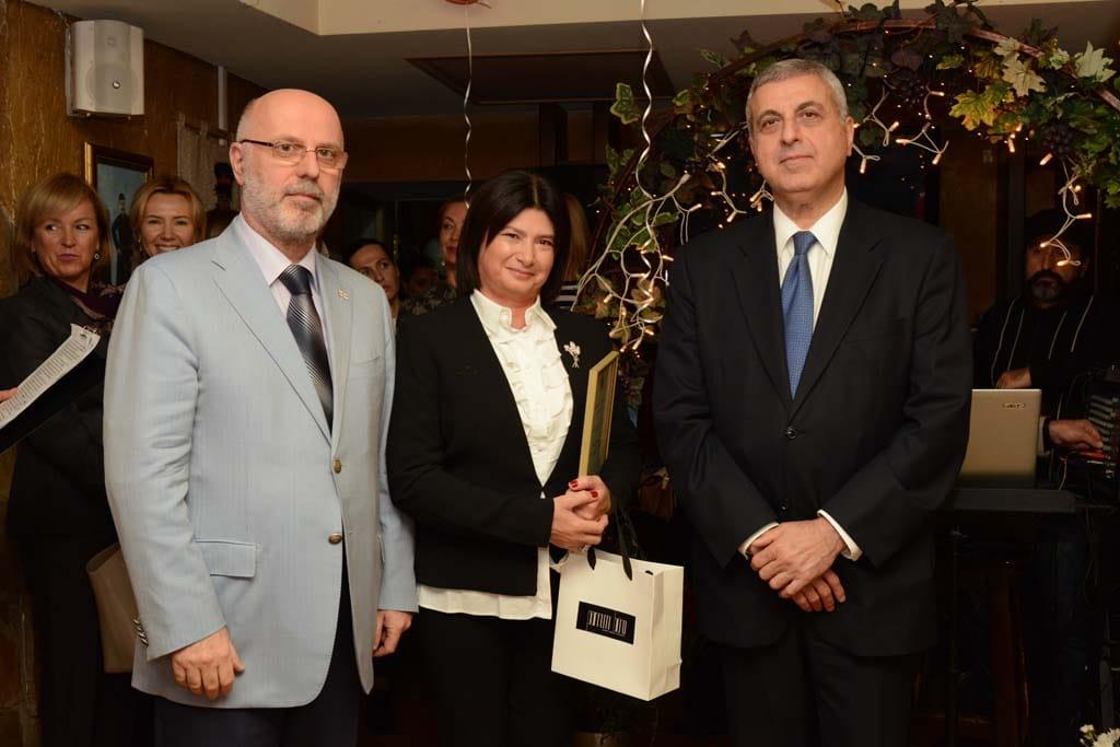 Лали Киладзе и почетные гости вечера действующий Посол Грузии Михеил Уклеба и Посол Грузии Григол Катамадзе (1994 – 1998 гг., 2000 – 2007 гг., 2009-2013 гг.)