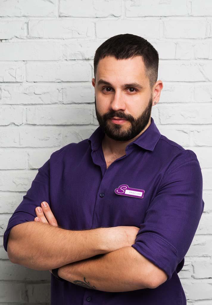 Вячеслав Волошин, эксперт причесок студии стиля Sandler, специалист по уходу и оздоровлению волос